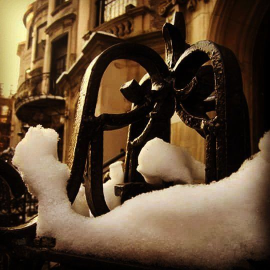 There still some snow left  #newyorkcity #newyork #NYC #NY #Snowstorm #jonas #jonassnowstorm #snowstormjonas #snowstormjonas2016 #jonas2016 #blizzard2016 #weather #instaweather #photographer #photography #instaphotographer #instasnow #cbsnewyork #nbcnewyork #fox5ny #pix11news #stormteam4ny #weatherchannel #itsamazingoutthere #nbc4ny #ny1 #water #melting #immelting #dripdropdripdrippitydrop by sagesurge