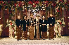 Gibran & Selvi, Seanggun Putra Putri Solo di Graha Saba Buana - Gibran Rakabuming Raka & Selvi Ananda - Weddingku.com