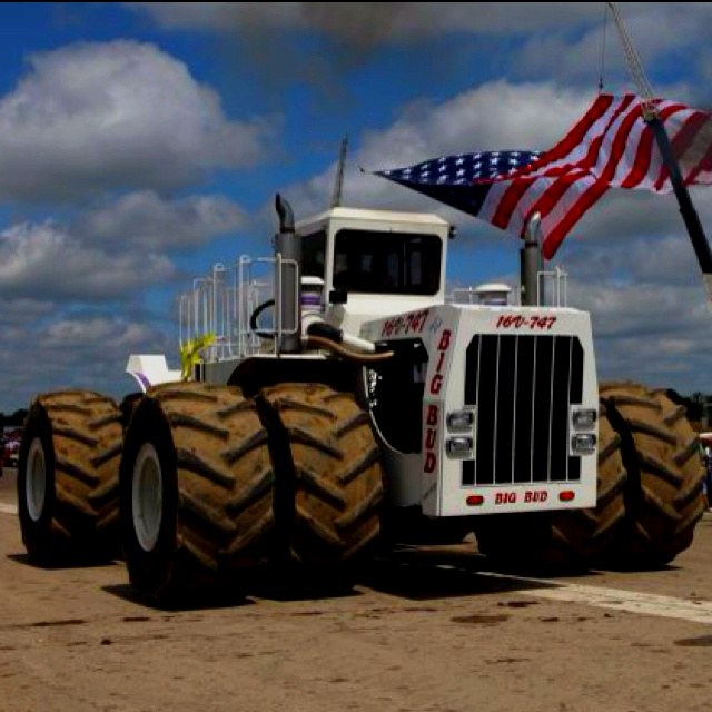 Big Bud Tractor  -  I can't imagine day-to-day farming with this monster!   TAO