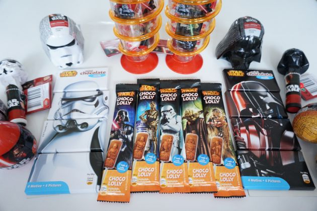 http://funnyfamily.se/wp-content/uploads/2017/02/Star-Wars-Dart-Vader-Suprise-Opening-630x419.png
