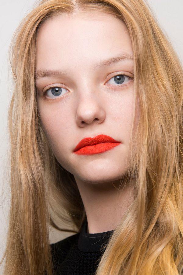 Тенденции в макияже весна-лето 2017. Красные губы