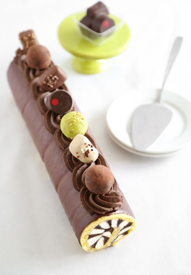 Harlequin Truffle Roulade | posypeme pečie