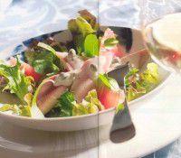 Salade met gerookte forel en rode grapefruit recept - Salade - Eten Gerechten - Recepten Vandaag