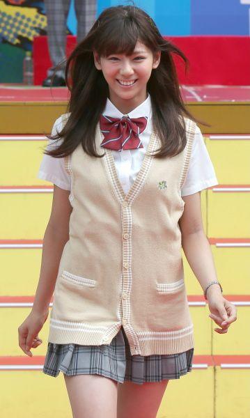 人気モデルの西内まりやさんが女子高生制服姿でウオーキングを披露。ドラマ「山田くんと7人の魔女」(フジテレビ系)の出演者による制服ファッションショーでのひとこま=東京都内(2013年08月06日) 【時事通信社】 ▼時事通信 学生服が似合う人たち 写真特集 http://www.jiji.com/jc/d4?d=d4_oo&p=sei290-jpp14978018 #西内まりや #Mariya_Nishiuchi