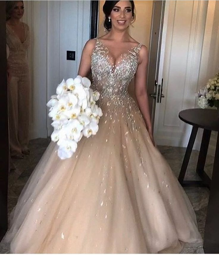 82 best Wedding Dress images on Pinterest | Wedding bridesmaid ...