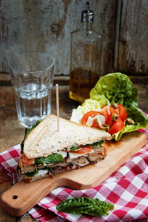 club sandwich feuilles d'épinard, mozzarella, jambon cru