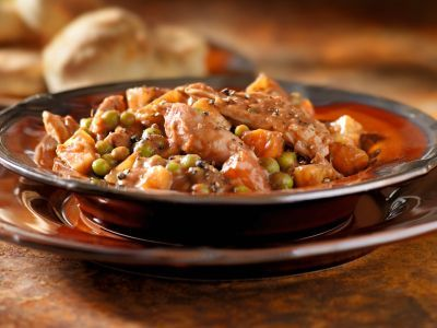 Chicken Stew... Only 203 calories per serving. Looks DELICIOUS.