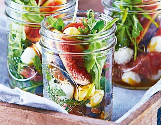 Nada más rico y sano que una ensalada de higos con jamón serrano. Sigue la receta.