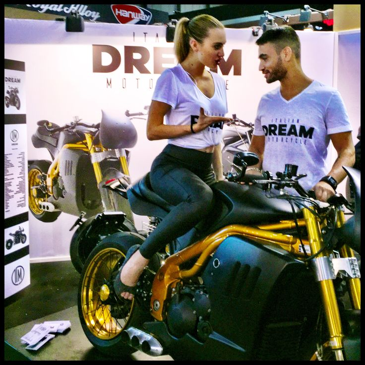 Raffaele De Rosa world champion in 2016 SUPERSTOCK 1000, guest of our stand in EICMA #motorcycles #special #triumphmotorcycles #speedtriple #gold #black #raffaelederosa #nikita #worldchampion #sbk #wsbk #superstock1000 #triplacompetizione