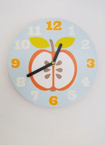 Wanduhr/Kinderuhr+*Apfel*,+rund+von+LeVeale+auf+DaWanda.com