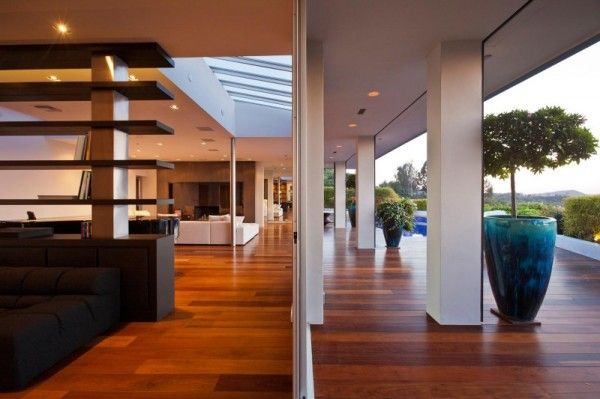 Interior Decorating from Luxury Outdoor House with Swimming Pool in Beverly Hills LA1 600x399 Luxury Outdoor House with Swimming Pool in Beverly Hills, LA
