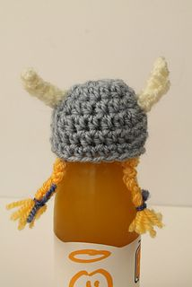 Innocent Viking Hat - free crochet pattern by Natalie Clegg in aid of the Age Concern and Innocent Drinks charity campaign. More designs here:  http://www.ravelry.com/patterns/search#query=innocent%20crochet%20hats%20&availability=free&page=1&sort=date&view=captioned_thumbs