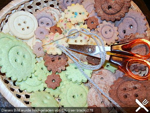 Kekse oder Plätzchen zum Ausstechen, ein leckeres Rezept aus der Kategorie Kekse & Plätzchen. Bewertungen: 51. Durchschnitt: Ø 3,4.