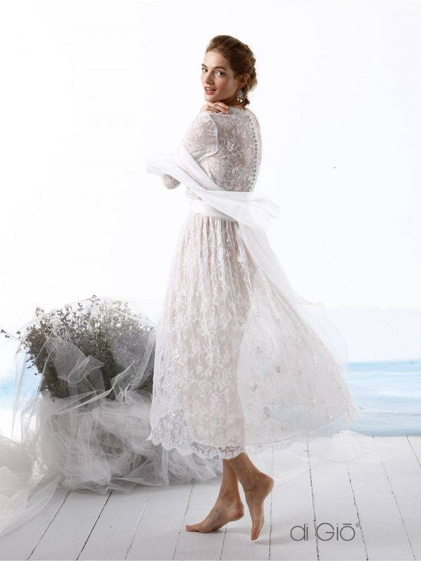 CR 09 | Abito longuette in pizzo leggero effetto Vintage Shabby. | #lesposedigio #weddingdress #madeinitaly #bridaldress | www.lesposedigio.com