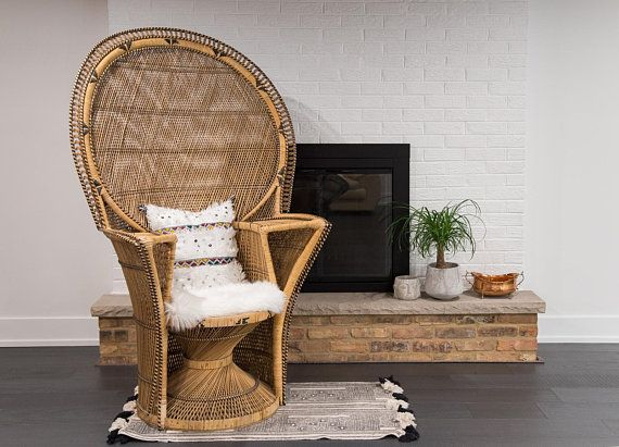 Shipping Not Free Vintage Wicker Cobra Style Chair Fan Back Chair Local P U Chicago Area Or Your Wicker Wicker Peacock Chair Wicker Table