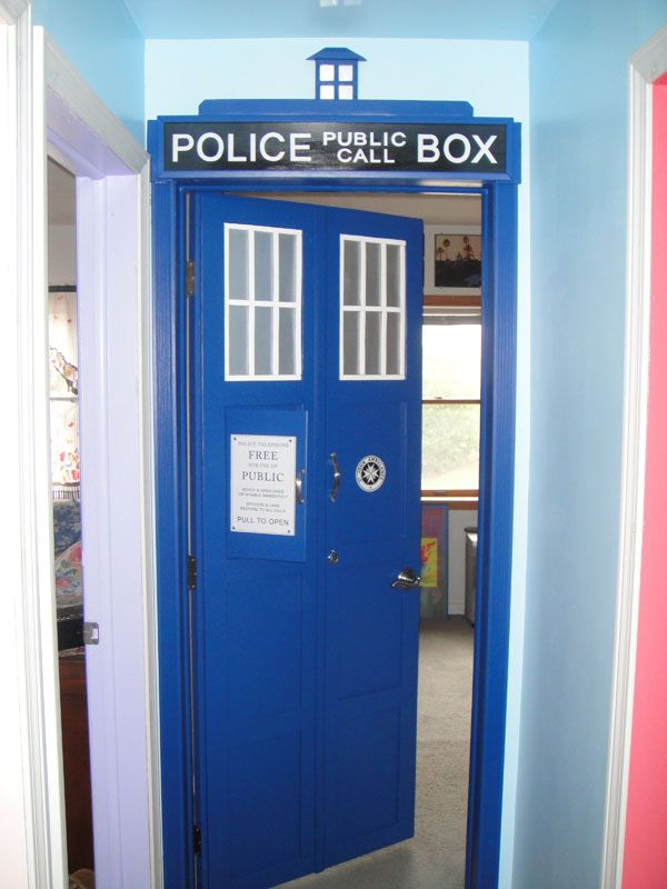 tardis bedroom door tardis door more photos here http www johnfmorris 13435