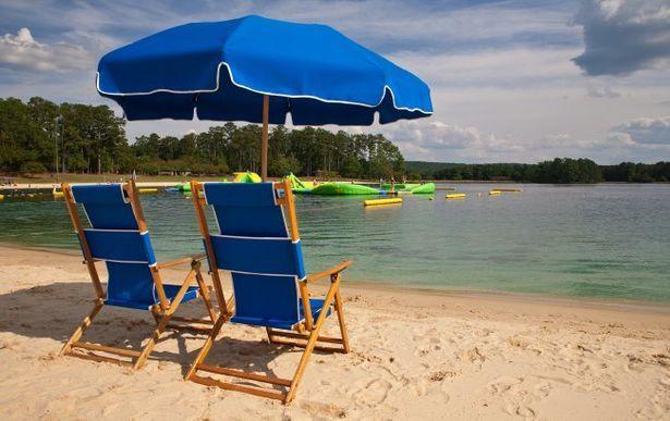 Ajc Travel A Dozen Beaches Within Driving Distance Of Atlanta Lake Beach Georgia Beaches Callaway Gardens