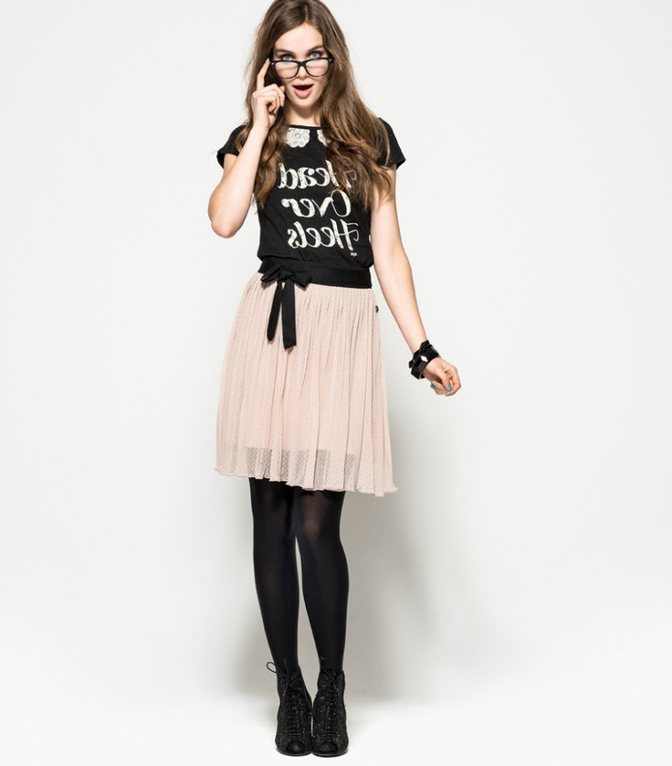 Dazu passend: Dept Shirt Aileen  gesehen bei http://www.myfreja.de/index.php?s=3_id=521_DEPT=4765_Dept+Rock+Billy+52112738055+Pearl+Blush=2