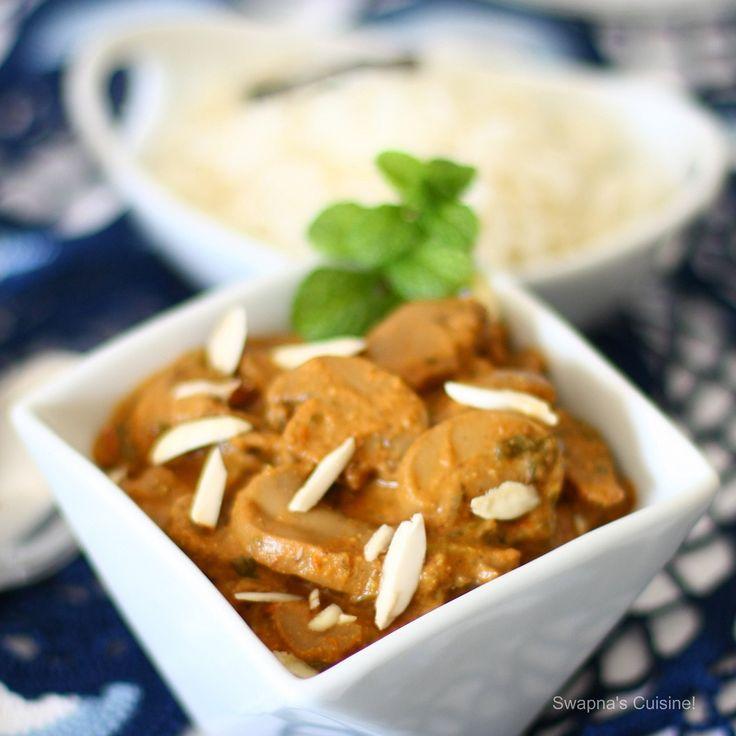 Badami Mushrooms (Mushrooms in Almond Gravy)