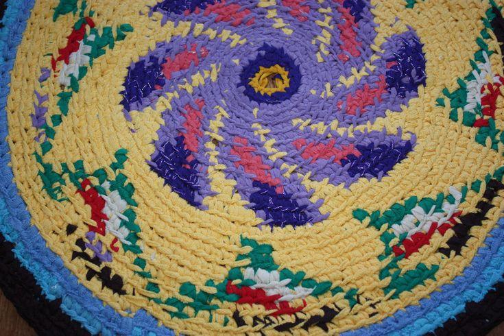 """Купить Коврик вязаный крючком """"Фиалка"""" - комбинированный, деревенский коврик, стиль кантри, дом, уют"""