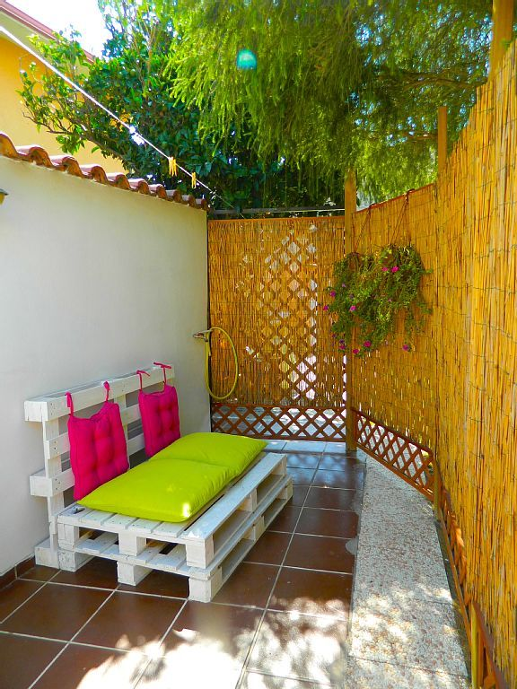 Affitto casa Cabras Cortile con area relax Decorazioni