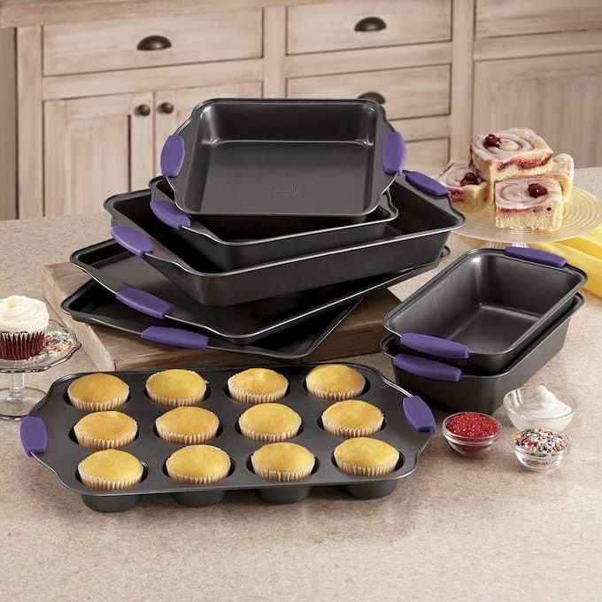 Bakeware Set Image By Cassie Lee Blanchette On Ginny S
