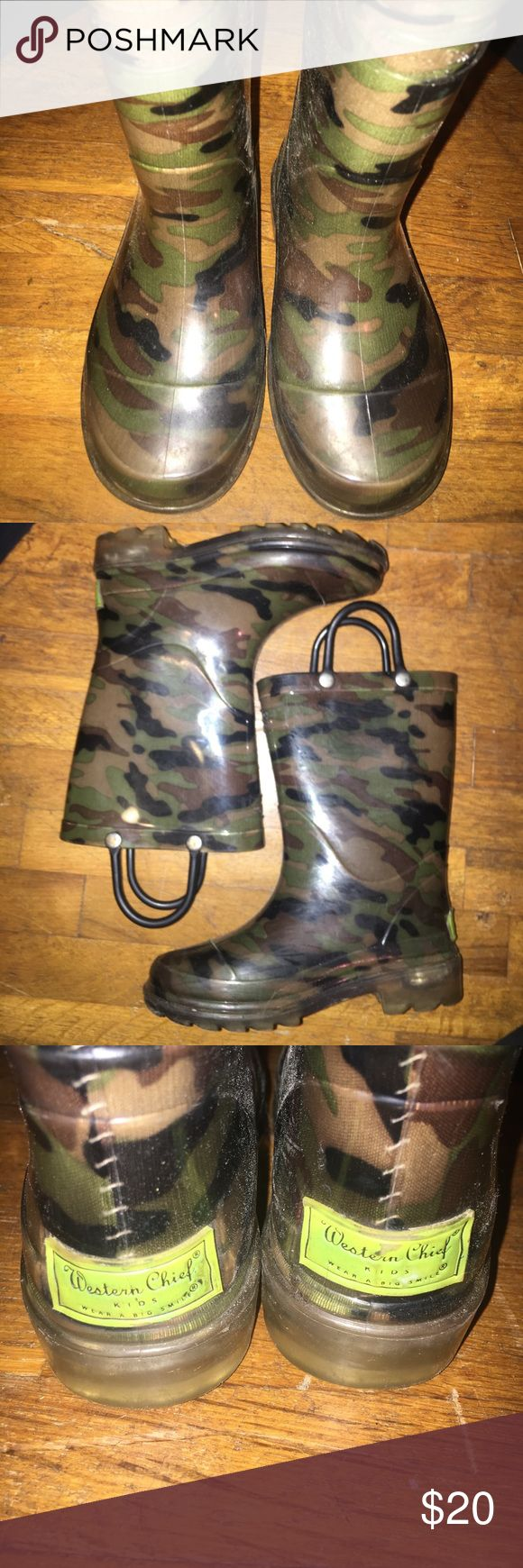 Boys rain boots Boys camo rain boots. Light up red and blue on bottom. Western Chief Shoes Rain & Snow Boots