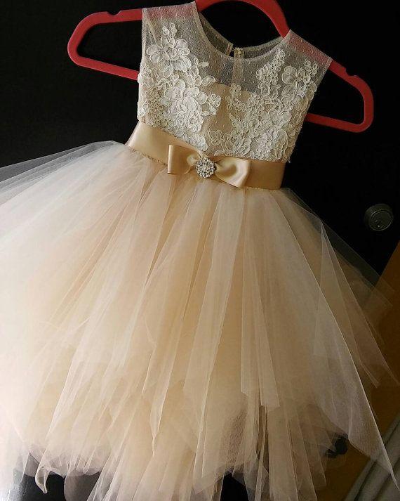 flor chica vestido Rosse con arco y diamantes de por somsicouture