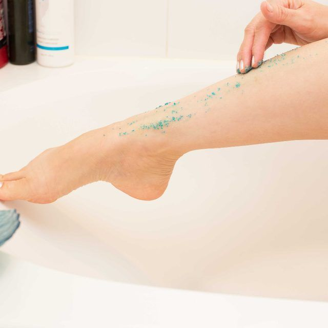 How to Exfoliate the Legs