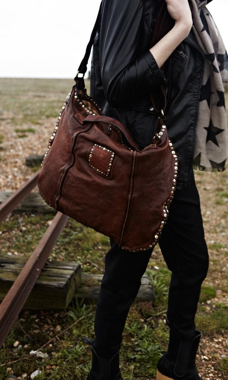 Rivet Saddle Bag - Plümo Ltd