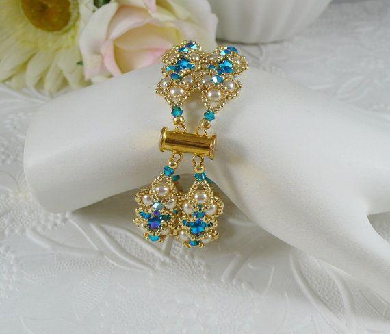 Perle Armband Swarovski ABx2 blau gewebt von IndulgedGirl auf Etsy