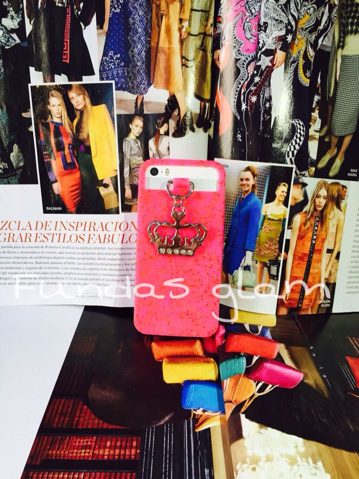 Nuevo modelo  case juyci couture esta super padre  disponible para iPhone 5/5c/5s  Envíos a todo México  precios y ventas por whats app 7731326351 o 7715694076  #navidadenfundasglam