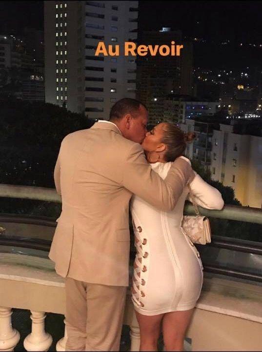 Jennifer Lopez 🇵🇷🇺🇸 and Alex Rodriquez 🇩🇴 in Paris