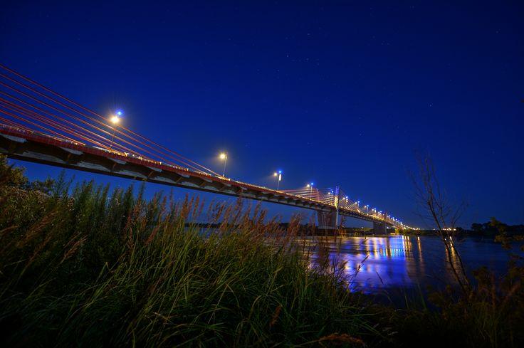 Ten most połączył Kociewie z Powiślem. The bridge, which connected Gniew and Kwidzyn. #Gniew #opanujgniew #gminagniew #kociewie #Powiśle #Kwidzyn #most #Wisła #bridge #vistula #vistulariver #rzeka #River #noc #night #pomorze #pomorskie #Pomerania #polska #Poland #traveler #travelplaces #fortravelers #visitgniew #polandisbeautiful #beautifulplace #worthvisiting #zapraszamy
