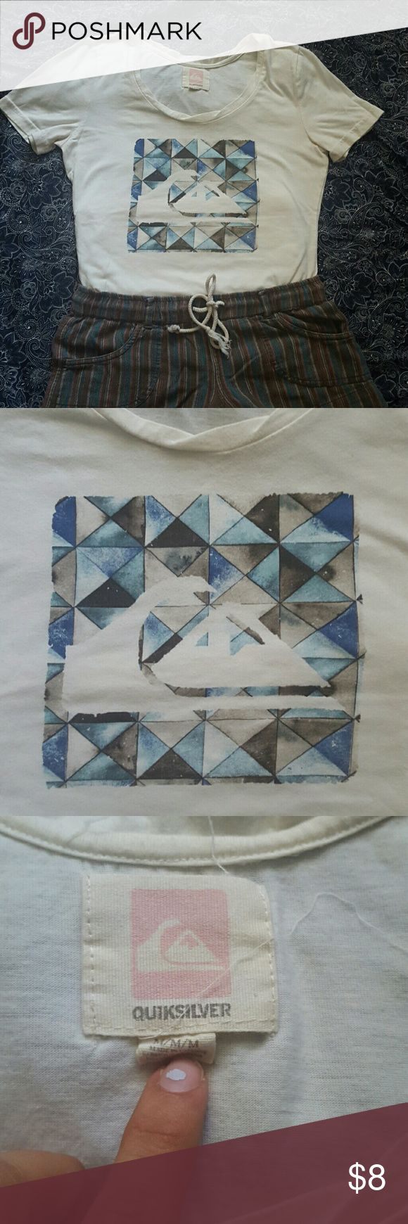QUIKSILVER WOMENS TEE Cream colored tee shirt Quiksilver Tops Tees - Short Sleeve