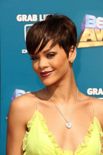 how to cut rihanna hairstyles