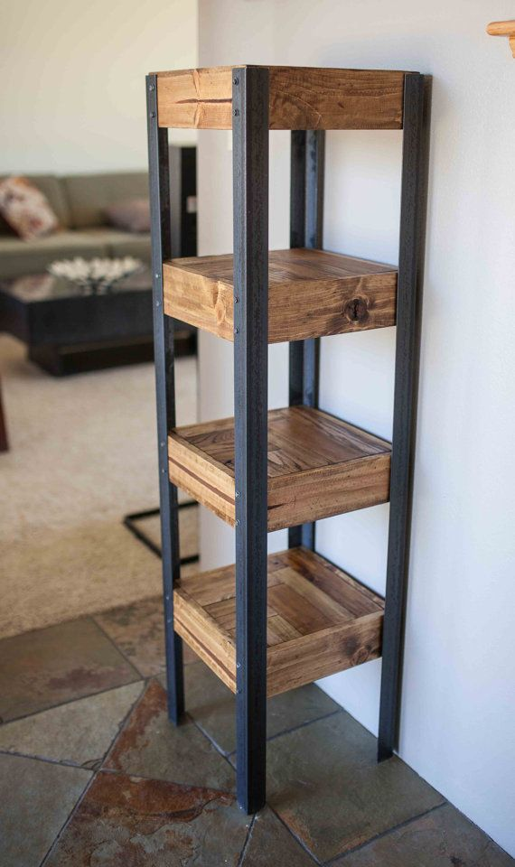 Pallet Wood Bookshelf por woodandwiredesigns en Etsy