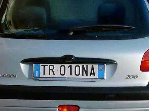 ....NOOOOO! conosco la proprietaria di questa auto!!!
