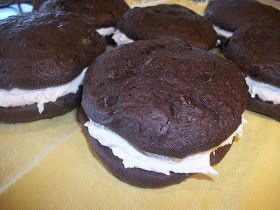 Easy Frugal Living: Homemade Oreo Cakesters aka Whoopie Pies