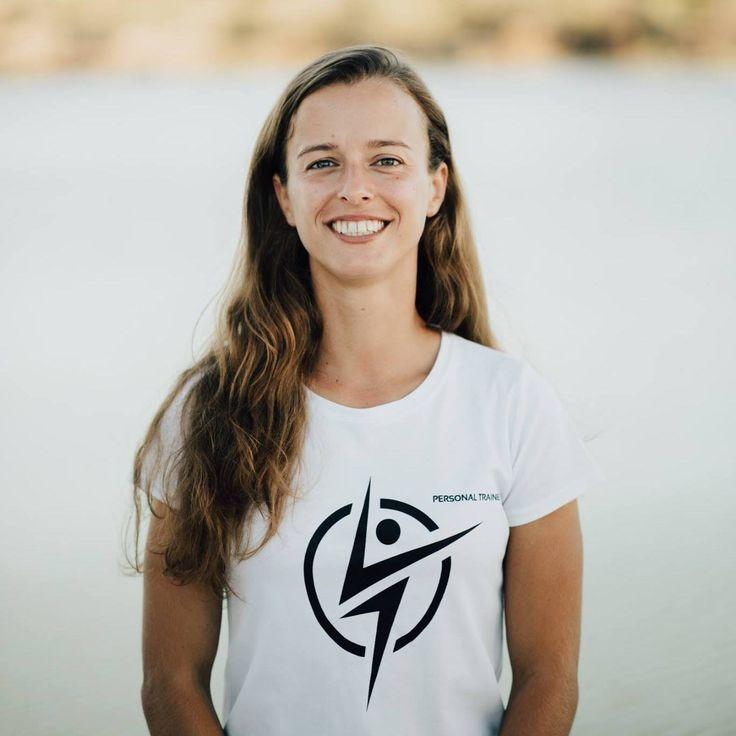 Alice Relógio Personal Trainer & Small Group Instructor   Pós-Graduação em Personal Trainer Mestrado em Exercício e Saúde Instrutora de Aulas de Grupo Formação em Crosstraining e HIPT Fitball Trainer Instrutora no projeto Small Groups - Personal Trainers Algarve