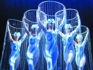 bing images of cirque du soleil costumes | Le Grand Cirque artist photo