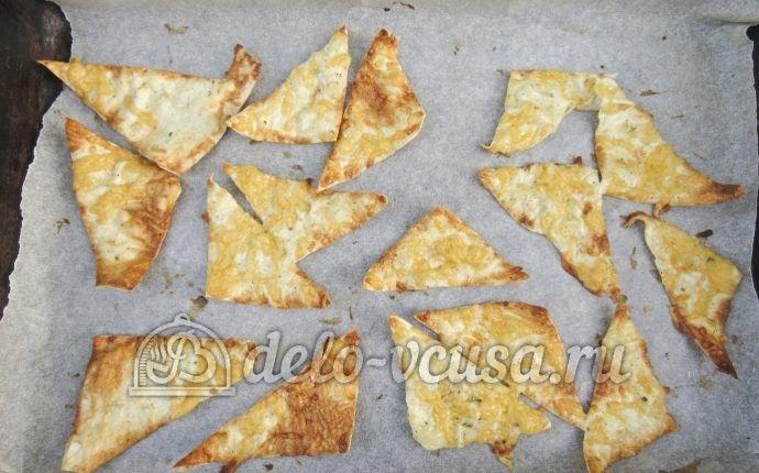 Чипсы из лаваша с сыром: Вынимаем из духовки