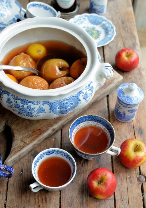 Lavender and Lovage | Twelfth Night, Apples and Wassailing: A Traditional English Wassail Recipe | http://www.lavenderandlovage.com