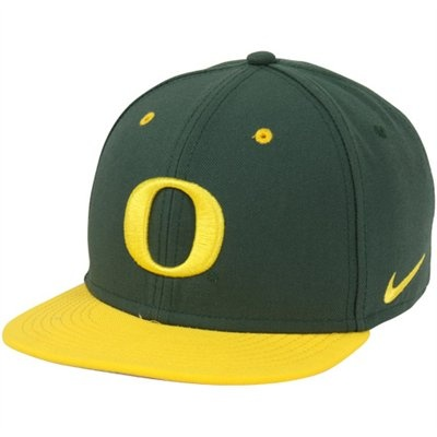 No. 8 (tie) - Nike Oregon Ducks True Authentic Fitted Baseball Hat - Green/Gold