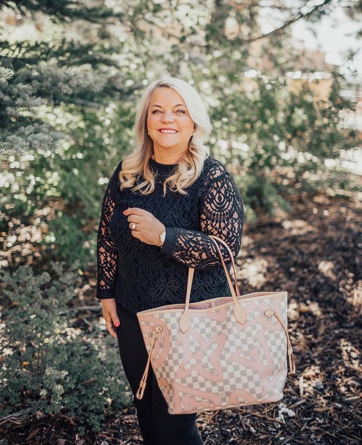 This picture is of our beautiful owner of The Lady Bag! Jeanette started her business with the hope to give every woman an opportunity to own a Louis Vuitton or luxury handbag. For all of our #Utah fans tomorrow morning at 9am mst she will be on Good Things Utah talking about the ins and outs of The Lady Bag.