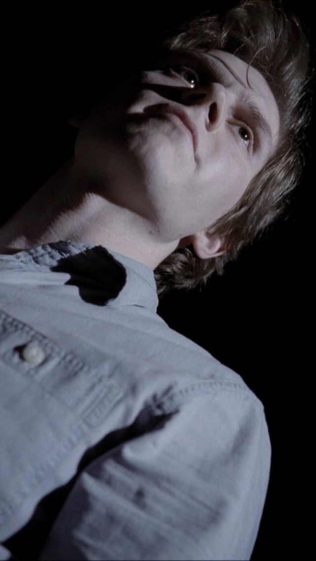 """lingsy: """"another screenshot of Evan as Kit I took from AHS season two. """""""