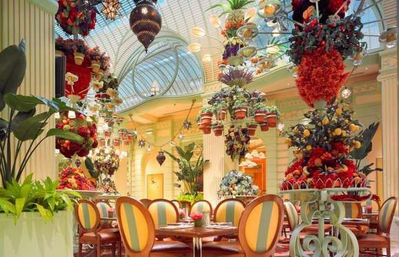 Steve Wynn, the man behind Bellagio's legendary buffet, outdid himself with the stunningly gorgeous ... - Yelp / The Buffet