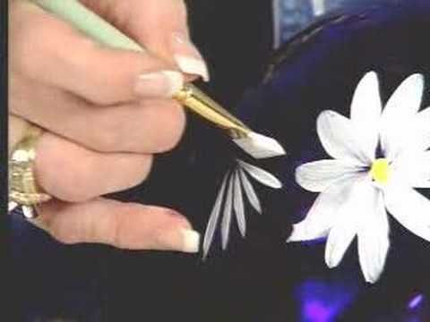 Painting a daisy with Donna Dewberry