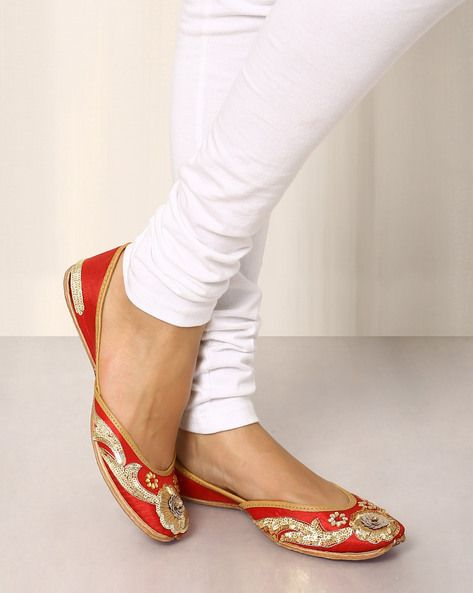 Buy RED Shilpsutra Embroidered Leather Mojaris   AJIO