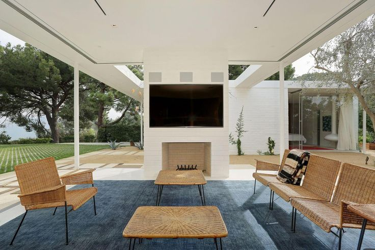 One story midcentury residence located in Hollywood Hills by Struere - CAANdesign | Architecture and home design blog